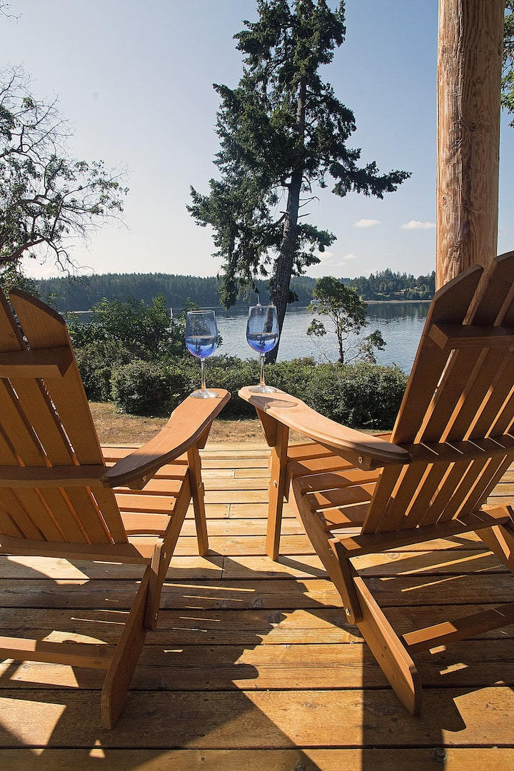 South Puget Sound Waterfront Retreat