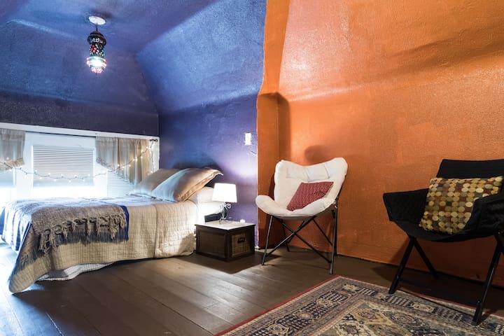 Rockin Kasbah ☆ Attic Apartment - Detroit - Appartement