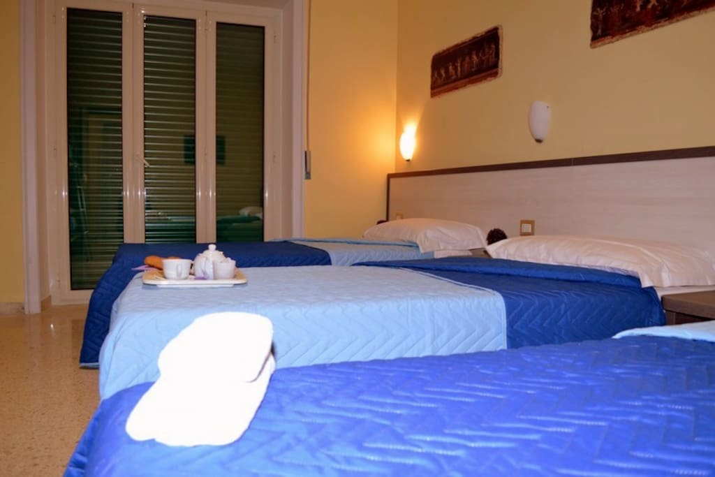 Room coliseum vatican chambres d 39 h tes louer rome for Chambre hote rome