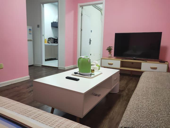 【平台推荐】粉红浪漫,经典主题房,可做饭,正规一居室