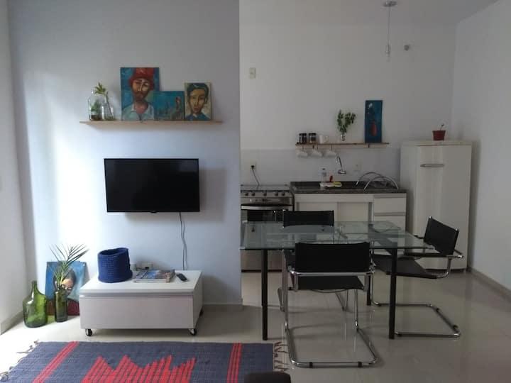 Lindo Studio próx. Dutra/centro c/Netflix egaragem
