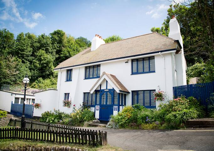 Beach Cottage at Cary Arms, Babbacombe Beach - Torquay - Casa