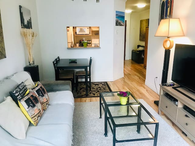 Gem in the heart of the City, Amazing Location!!
