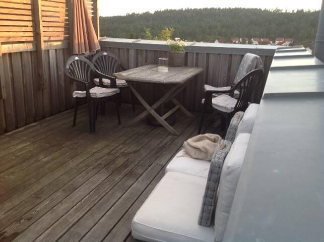 Hytte i Risør/Øysang, nær badeplass i ferskvann