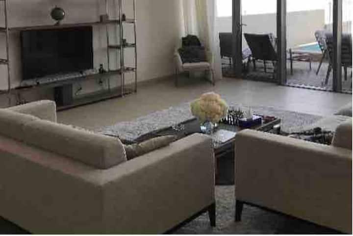 Al zeina Pet  friendly en-suite luxury room