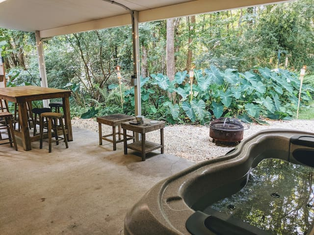 Place in Summerville w/ Outdoor Hot Tub & FirePit!