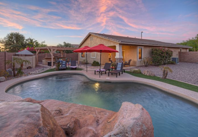 Perfect Seville Family Home; Large Yard w/Heated Pool