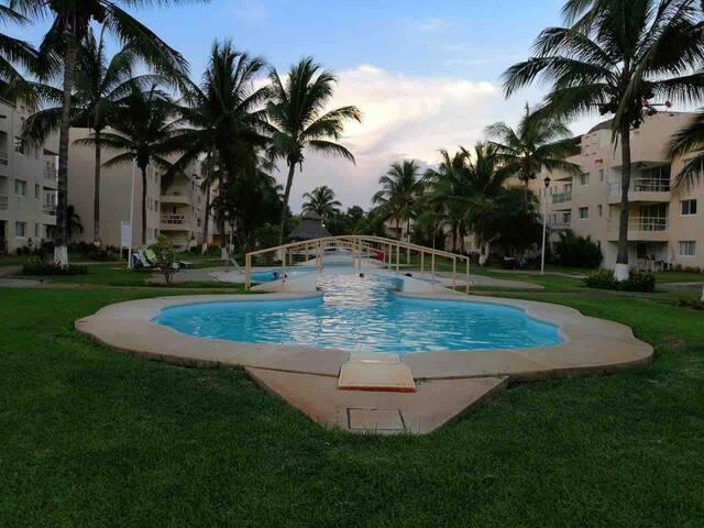Hermoso Departamento en BANUS, Acapulco Diamante