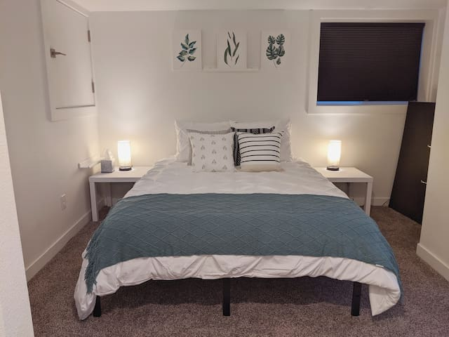 Cozy Montavilla Suite with Easy Downtown Access!