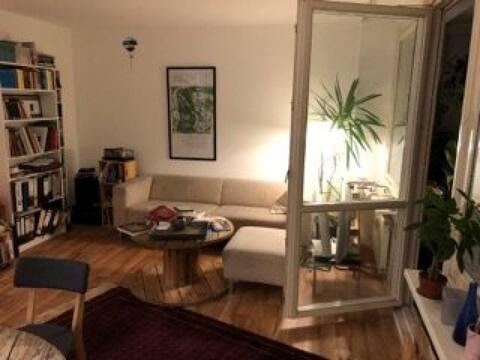 Bright Stadtmitte flat, overlooking Kreuzberg