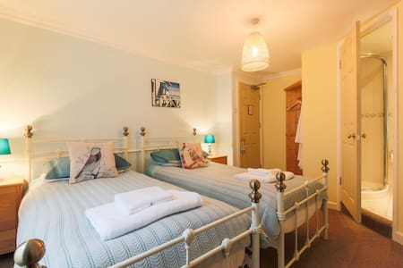 Twin room near harbour - Mevagissey - Bed & Breakfast