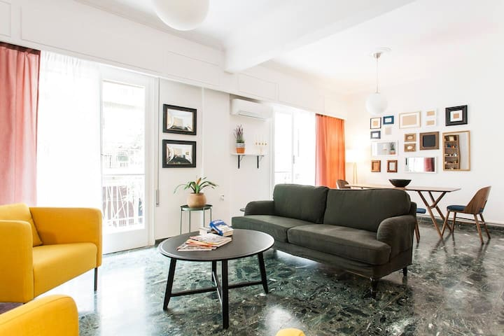 110m2 Central Bright apartment in Athens