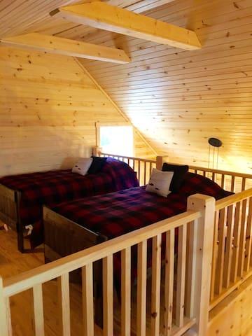 Villa Four Loft Bedroom w/ 4 Twin Beds