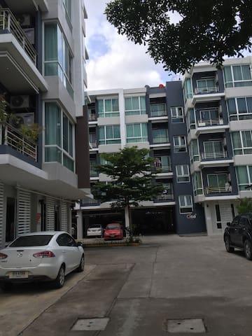 舒适高档公寓,有游泳池和健身房 - 清迈 - Appartamento