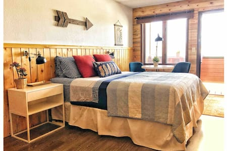 Resort Room w/ Easy Access to RMNP!!!