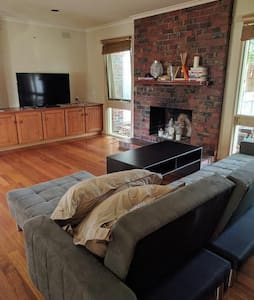 Spacious Relaxing House In Doncaster Ready For You - Doncaster - 独立屋