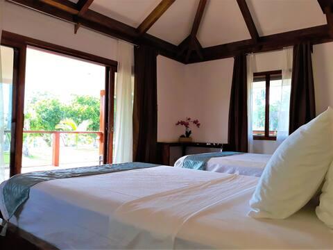 Private Island Beach Twin Room