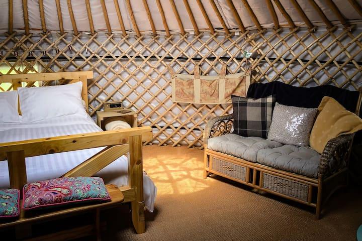 Yurt 'the Villager' - Pentref Luxury Camping