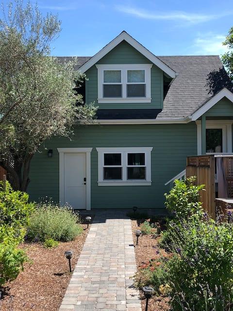 Tiny Home in Historical Downtown Petaluma