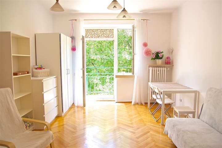 Pink room in Cracow - Krakova - Huoneisto