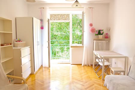 Pink room in Cracow - Kraków