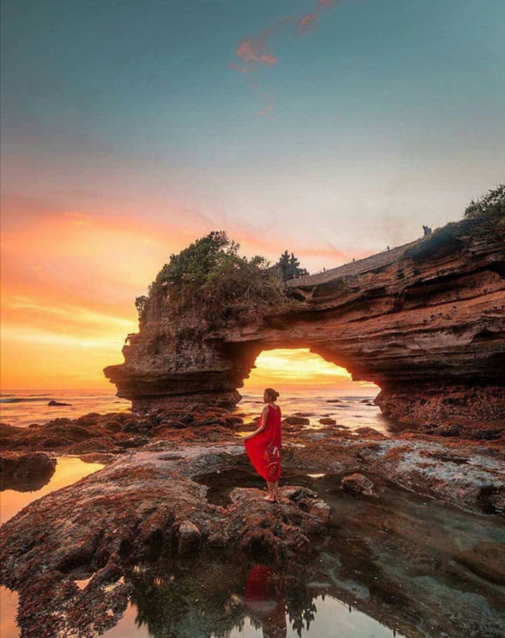 Sunset tanah lot