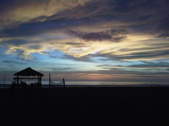 CASA WAKAMA - eco playa - Chincha Alta - Cabaña
