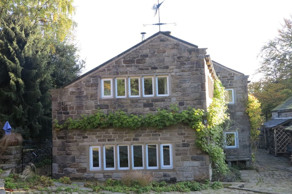 West elevation of Tyas cottage