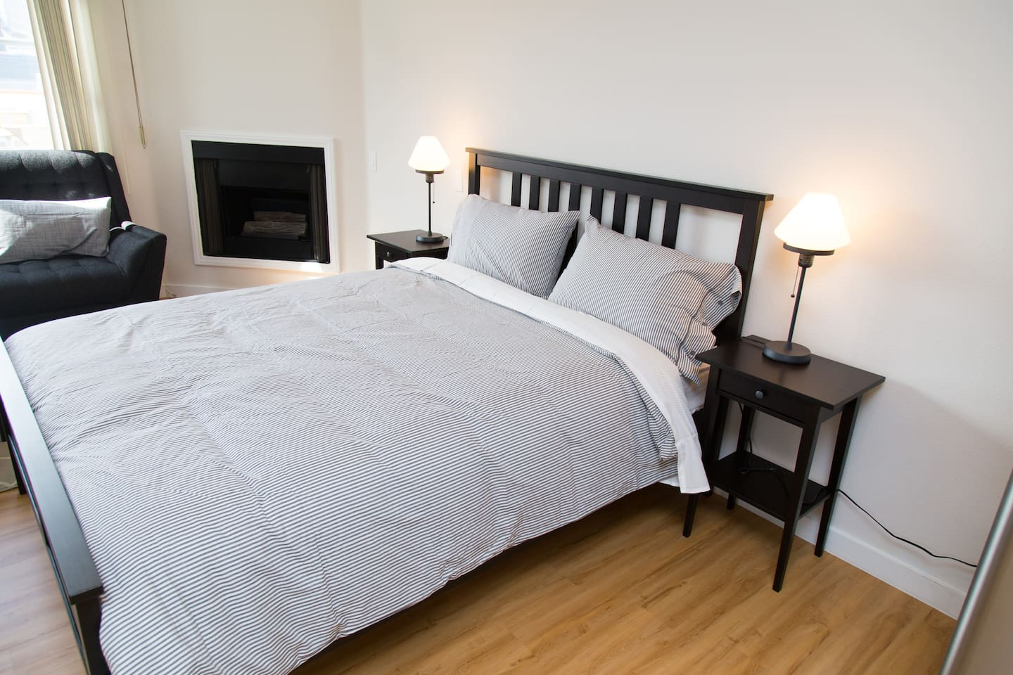 Queen size bed, with top quality matress