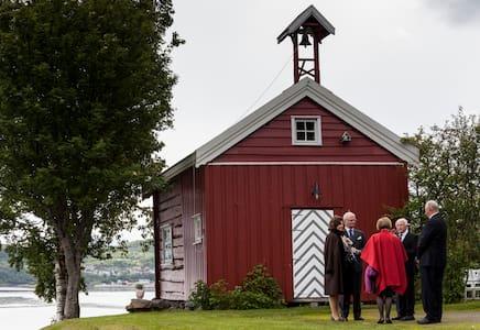 Røkenes Gård og Gjestehus - Stuga