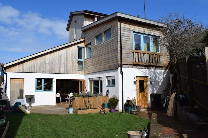 Juniper House - Eco Home perfect for big Families