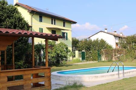 Villa di campagna nel verde e nel relax - P. Terra