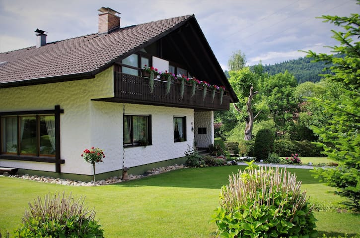 Ferienwohnung Weis - Am Martinshof - Simonswald