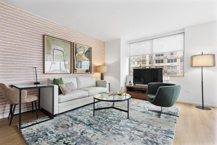 Centrally Located Chelsea Luxe One Bedroom