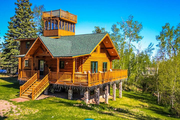 Eagles Nest is an awe inspiring log home in Tofte that will make you feel like you are living on top of the world.