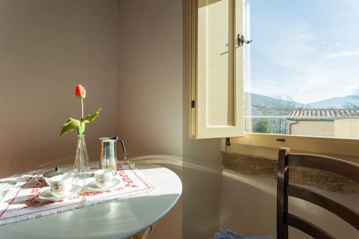 Villa Costanzi: Breezy Terrace On The Cucco