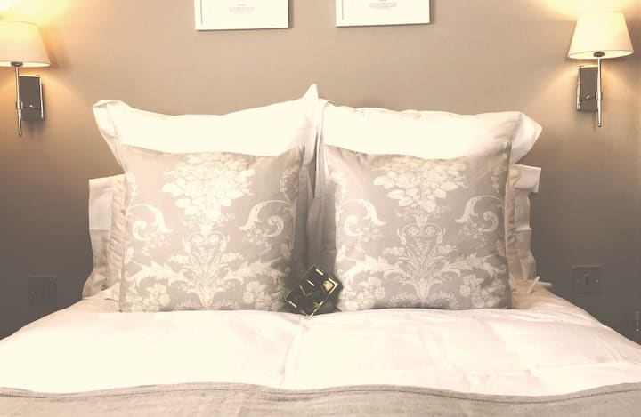 Stow House Boutique Rooms Room 2
