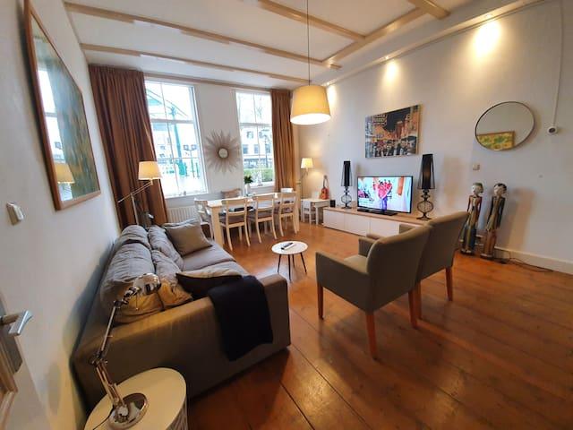 Villa aan de Gracht bij Den Haag, super charmant!