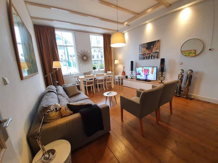 Grachten Villa bij Den Haag, super charmant!