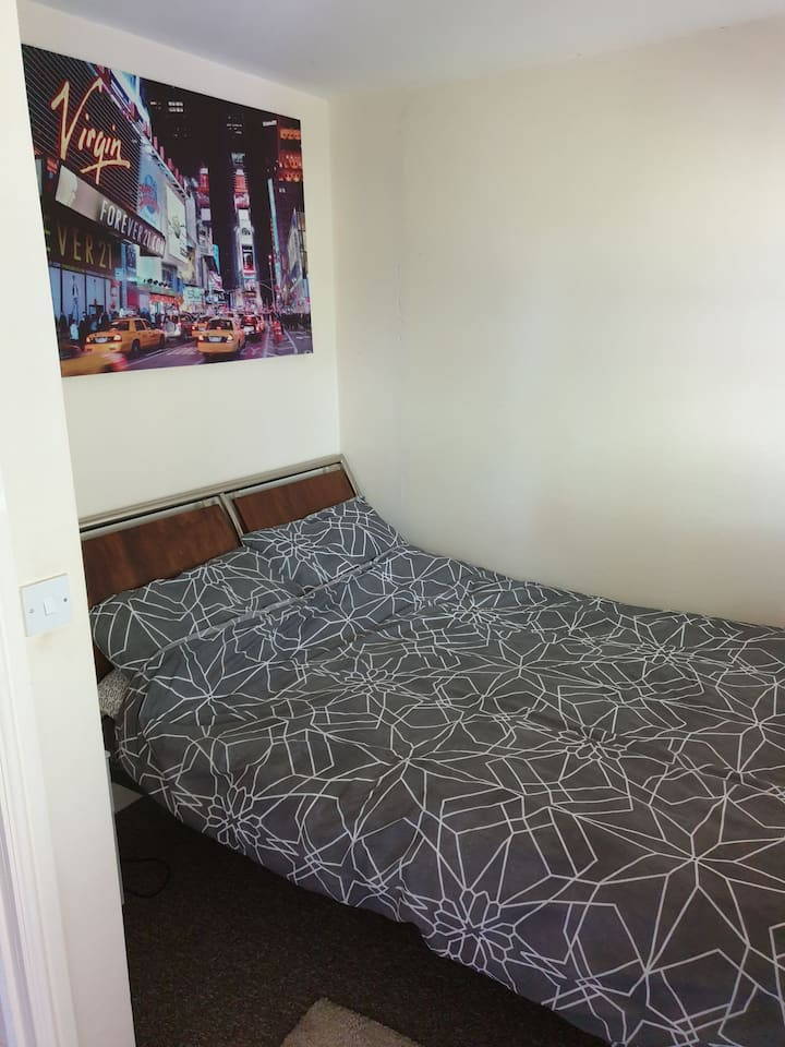 Own room and own bathroom always clean bedding