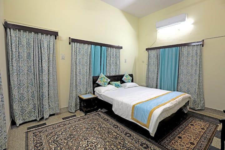 One Room at Kishan Villa Home Stay
