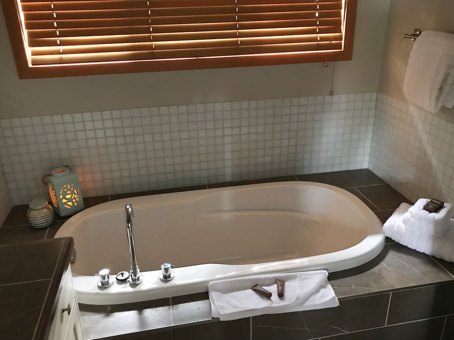 Upstairs bathroom with soaker tub