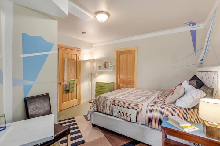 Cornur Room @ 1234 HOUSE in SE PDX