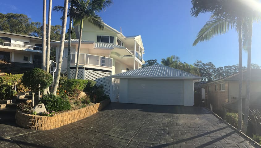Currumbin Waters - entire holiday house