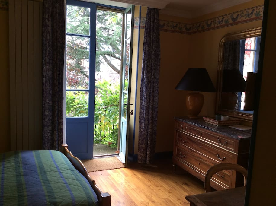 chambre d 39 h te plein c ur de millau maisons louer millau occitanie france. Black Bedroom Furniture Sets. Home Design Ideas