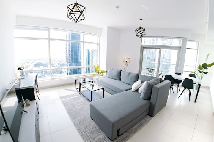 Burj Panorama - Luxurious 1BD in the Sky