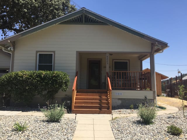 The Colony House...(3 bedrooms/3 baths)