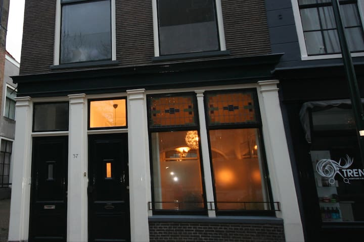 Delft 19th century fully renovated apartment