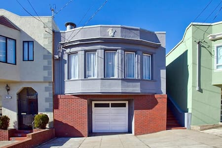 Large Family Home near Beach, GG Park with Parking