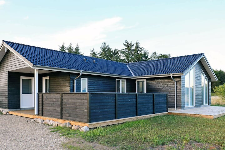 Comfortable Holiday Home in Hojslev near Sea